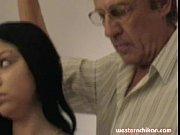 Порно первый раз в задний проход девушки больно видео ей в жопу больно