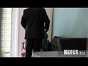 Мужчина и женщина с фалоиметаторами видео