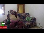 Мама ебется с друзьями сына по очереди видео