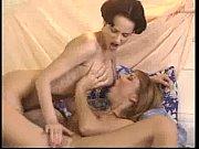 Порнл росказы мать заставляет сына носить чулки