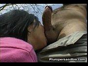 Порно где женщин трахают грубо и глубоко в рот