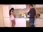 Девушка девушке делает массаж порно