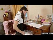 Порно видео как мать заставляет лизать свою киску дочь или сына