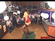 мастурбируя кончает из пизды течот видео