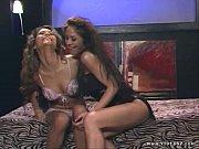 порно девушки где мастурбируют и кончают