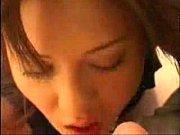 若い男にマ○コをねっとり愛撫されて性欲が目覚めちゃった爆乳オバサン 【エロ動画】