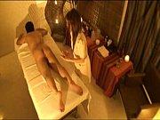 Секс видео где девушка дрочит большой член ногами