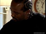 Порнуха лизать пизду волосатую матери видео