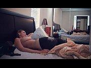 Села попой на огромную пробку порно видео