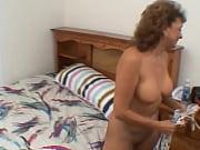 Русское порно сын делает массаж маме и ебет ее