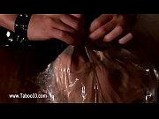Порно видео девушка вставляет в пизду ведро