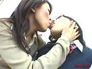 Семья играют в бутылочку на секс видео