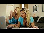 Порно ролики одна девушка много парней