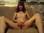 Секс видео с полненькой в ванной