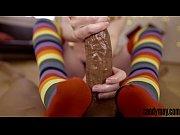 Порно фильм девушки стоят в шеренгу с связанными руками
