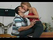 Молодая рыжая секретарша с косичками на стуле с боссом порно