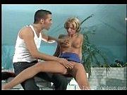Порно мужика привязали и делают миньет