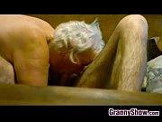 Лесбийские поцелуи зрелых женщин