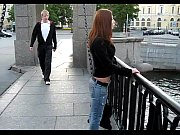 Трахает двух русских студенток