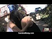 Видео как мужик раздевает свою бабу и трахает ее
