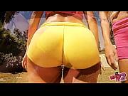 Красивая девушка в белой прозрачной майке видео