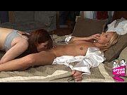 Ебля двух зрелых мамок с одним мужиком видео