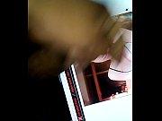 Коннчил спящей мачехе на попу видео