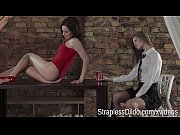 Фото парень трахает зрелую даму до сквирта