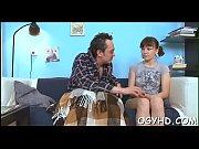 Смотреть порно папа выебал подругу дочери и увёл её в другую комнату пока та спасла с мамой
