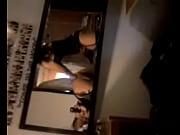 Видео мужик засунул бабе в пизду голову