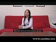 Русская девушка в короткой кожаной юбочке пришла трахнуться порно видео