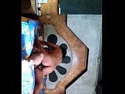 Девушка раздразнила ножками в колготках