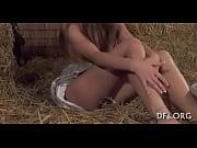 Голая Эрин Макнот изумительно сверкает своими потрясающими и вызывающими нардами