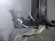 Смотреть порно муж спит а жена мастурбирует