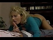 Девушка любит массаж и секс на столе