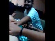 Видео девушка раздевается и идёт заниматся гимнастикой