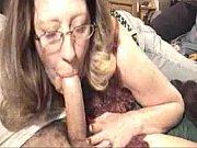 Сестра толстушка показала брату свою грудь порно