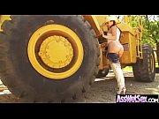 Порно фильм про сквиртинговая жидкость