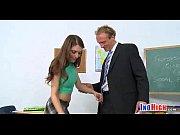 Порно видео с мошной брюнеткой