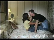 Порно жену трахнули туземцы