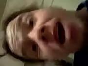 Мужчина сосет женскую грудь порновидео