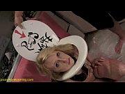 Смотреть как женщины сидя на лице заставляют лизать пизду и жжопу
