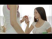 Мужик с бабой голые в бане видео частное видео