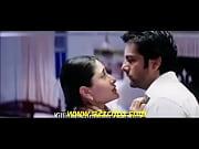 Kareena Kapoor Kiss - www.smsxx.blogspot.com.flv, 1500 xxmidadi flv Video Screenshot Preview