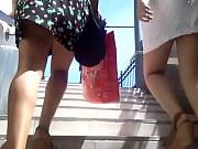 Мастурбация двух девушек на камеру