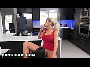 Красивая русская мама трахает сына порно