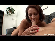 Девушка соблазняет порно видео
