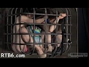 Порно онлайн видео ебет спящую в попку