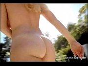 Голая женщина обвисшие груди фото