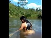 rio el en Desnuda